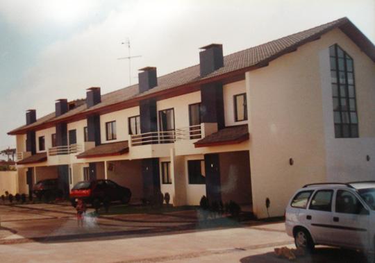 Condomínio Portal Da Serra (2000)